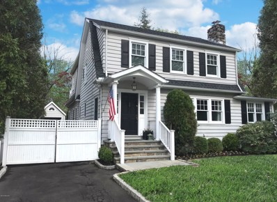 28 Lockwood Drive, Old Greenwich, CT 06870 - MLS#: 103101