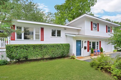 8 Willow Lane, Old Greenwich, CT 06870 - MLS#: 104493