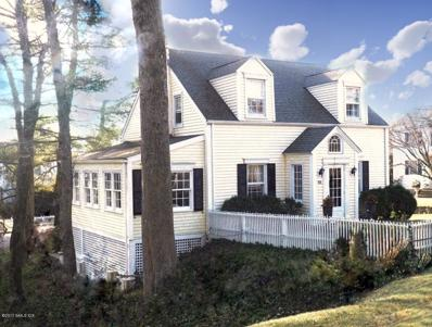 88 Saint Johns Place, New Canaan, CT 06840 - MLS#: 98430