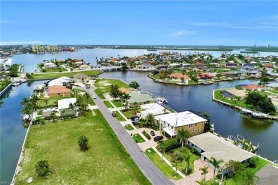 848 Rose Ct, Marco Island, FL 34145 - MLS#: 218038165