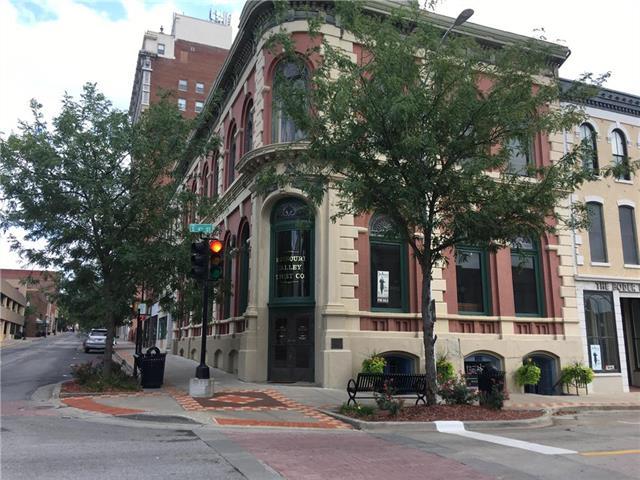402-  Felix Street