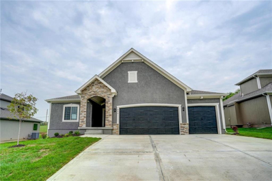 849 Creekmoor Pond Lane, Raymore, MO 64083 - #: 2092817