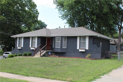 12000 E 56th Terrace, Kansas City, MO 64133 - #: 2120581