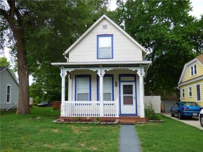 312 Pine Street, Leavenworth, KS 66048 - #: 2125805