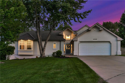 4330 SE Secretariat Court, Lees Summit, MO 64082 - #: 2127492