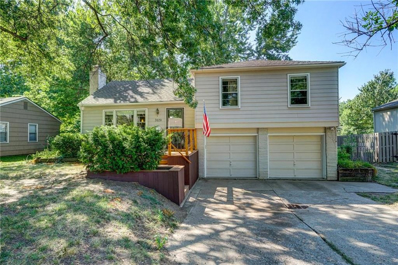 7629 Colonial Drive, Prairie Village, KS 66208 - #: 2127962