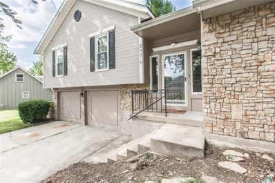 207 SW Lake Village Boulevard, Blue Springs, MO 64014 - #: 2128022