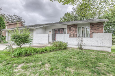 121 E WOODBRIDGE Lane, Kansas City, MO 64145 - MLS#: 2131436
