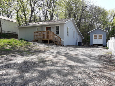 403 E Woods Street, Smithville, MO 64089 - #: 2131466