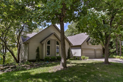 5310 NW Bluffs Way, Parkville, MO 64152 - #: 2133047