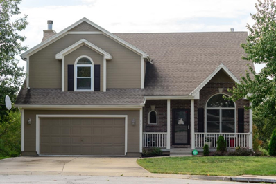 1821 SW Crystal Creek Place, Blue Springs, MO 64015 - #: 2133224