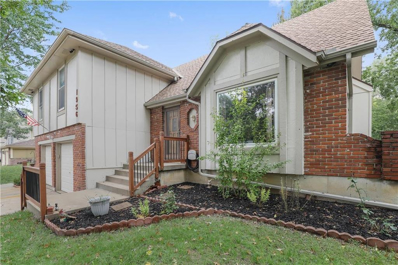 1956 E Jamestown Drive, Olathe, KS 66062 - #: 2134093