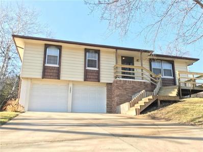 2002 SW Maple Lane, Oak Grove, MO 64075 - #: 2135235