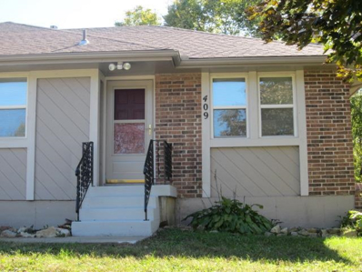409 NE Ash Court, Lees Summit, MO 64063 - #: 2135337
