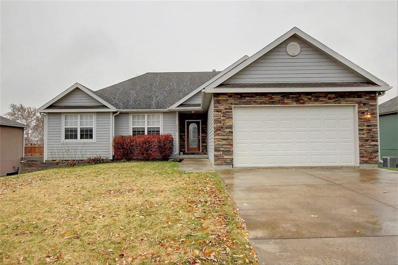 2008 E Finch Drive, Tonganoxie, KS 66086 - #: 2138107