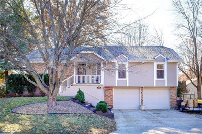 804 SW STONEHENGE Drive, Blue Springs, MO 64015 - #: 2140896