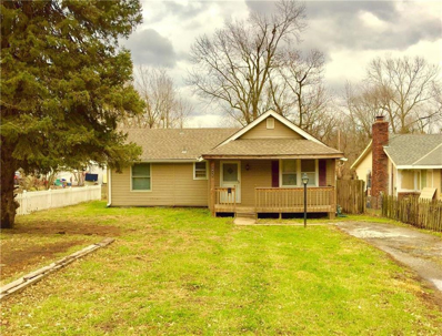 2415 S Vermont Avenue, Independence, MO 64052 - MLS#: 2142509