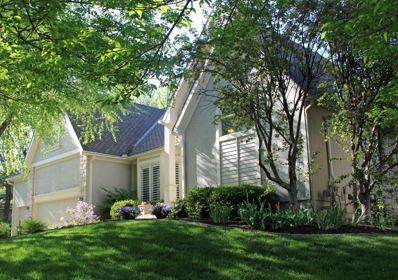 9507 Pine Street, Lenexa, KS 66220 - #: 2142570