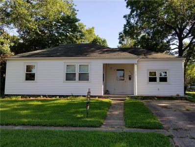 402 Franklin Avenue, Warrensburg, MO 64093 - #: 2142615