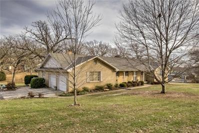5741 NE Lake Drive, Village Of Oaks, MO 64118 - #: 2142973