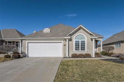 11549 S Carriage Road, Olathe, KS 66062 - #: 2147070