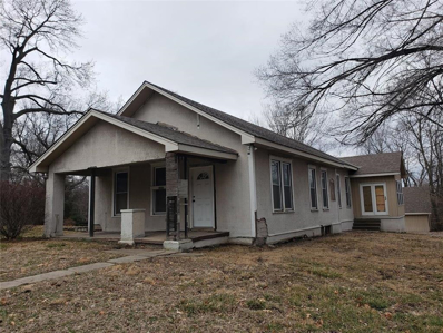 9400 E 9th Street, Independence, MO 64053 - #: 2151120