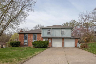 9721 NW OVERHILL Drive, Parkville, MO 64152 - #: 2151502