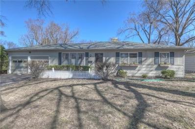 5700 W 101st Terrace, Overland Park, KS 66207 - #: 2154118