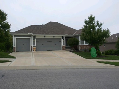 5874 S National Drive, Parkville, MO 64152 - #: 2165779