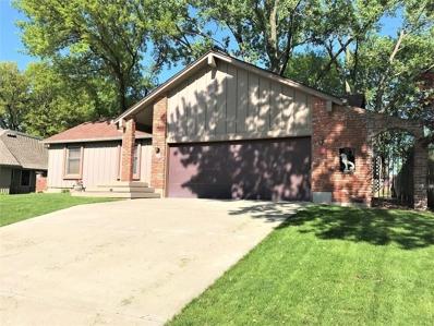7001 Cottonwood Drive, Shawnee, KS 66216 - #: 2166140