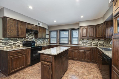 9505 Connell Drive, Overland Park, KS 66212 - #: 2170555