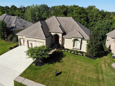 8112 Forest Park Drive, Parkville, MO 64152 - #: 2172682