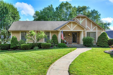 900 NW Oakridge Drive, Blue Springs, MO 64015 - MLS#: 2172832