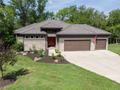 7040 NW Scenic Drive, Parkville, MO 64152 - #: 2175771