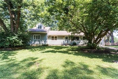 7906 Colonial Drive, Overland Park, KS 66204 - #: 2176454