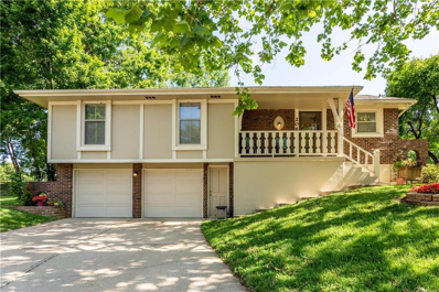206 NE Carriage Court, Lees Summit, MO 64064 - #: 2176575