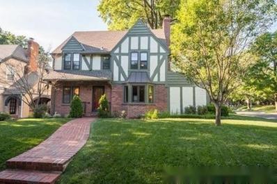 1000 W 70TH Terrace, Kansas City, MO 64113 - #: 2180805