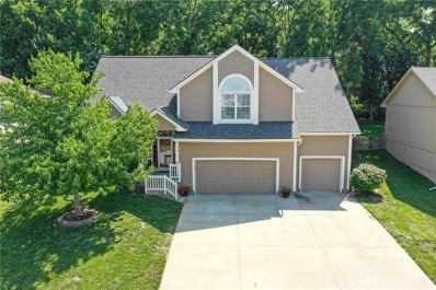 913 NE COUNTRY Lane, Lees Summit, MO 64086 - #: 2183253