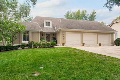 8005 W 114th Terrace, Overland Park, KS 66210 - #: 2188570