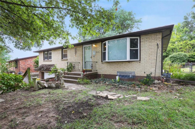 5018 NW Ridgewood Drive, Kansas City, MO 64151 - MLS#: 2192162