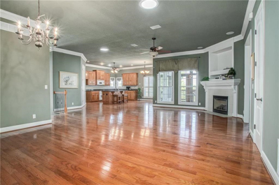 404 NW Greenview Court, Lees Summit, MO 64064 - #: 2192702