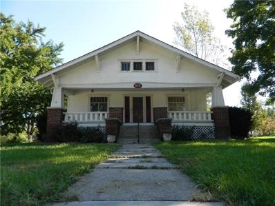 517 S Walnut Street, Cameron, MO 64429 - #: 2193342