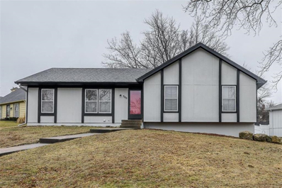 300 S Valley Road, Olathe, KS 66061 - MLS#: 2207951