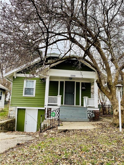 2203 E 70th Terrace, Kansas City, MO 64132 - MLS#: 2213136
