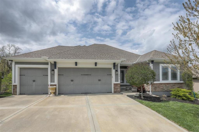 5874 S National Drive, Parkville, MO 64152 - #: 2215362