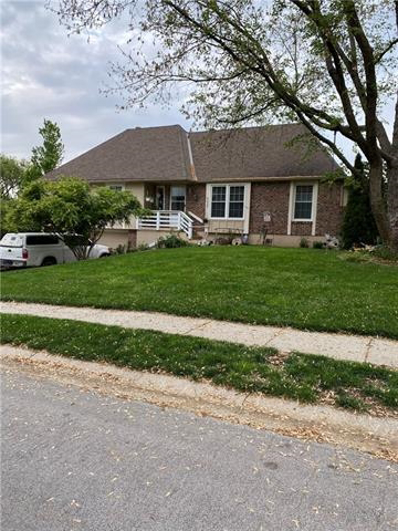 608 Overlook Drive, Raymore, MO 64083 - MLS#: 2323822