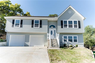 416 SW Foot Hill Drive, Grain Valley, MO 64029 - #: 2347062