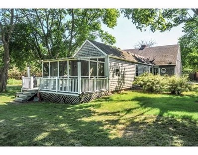 317 Summer St, Duxbury, MA 02332 - MLS#: 72340487