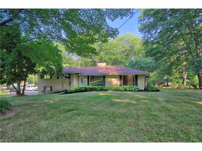 695 Northwood Dr, Uniontown, OH 44685 - MLS#: 3930789