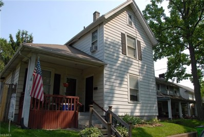 524 Perry Ave SOUTHWEST, Massillon, OH 44647 - #: 4075756